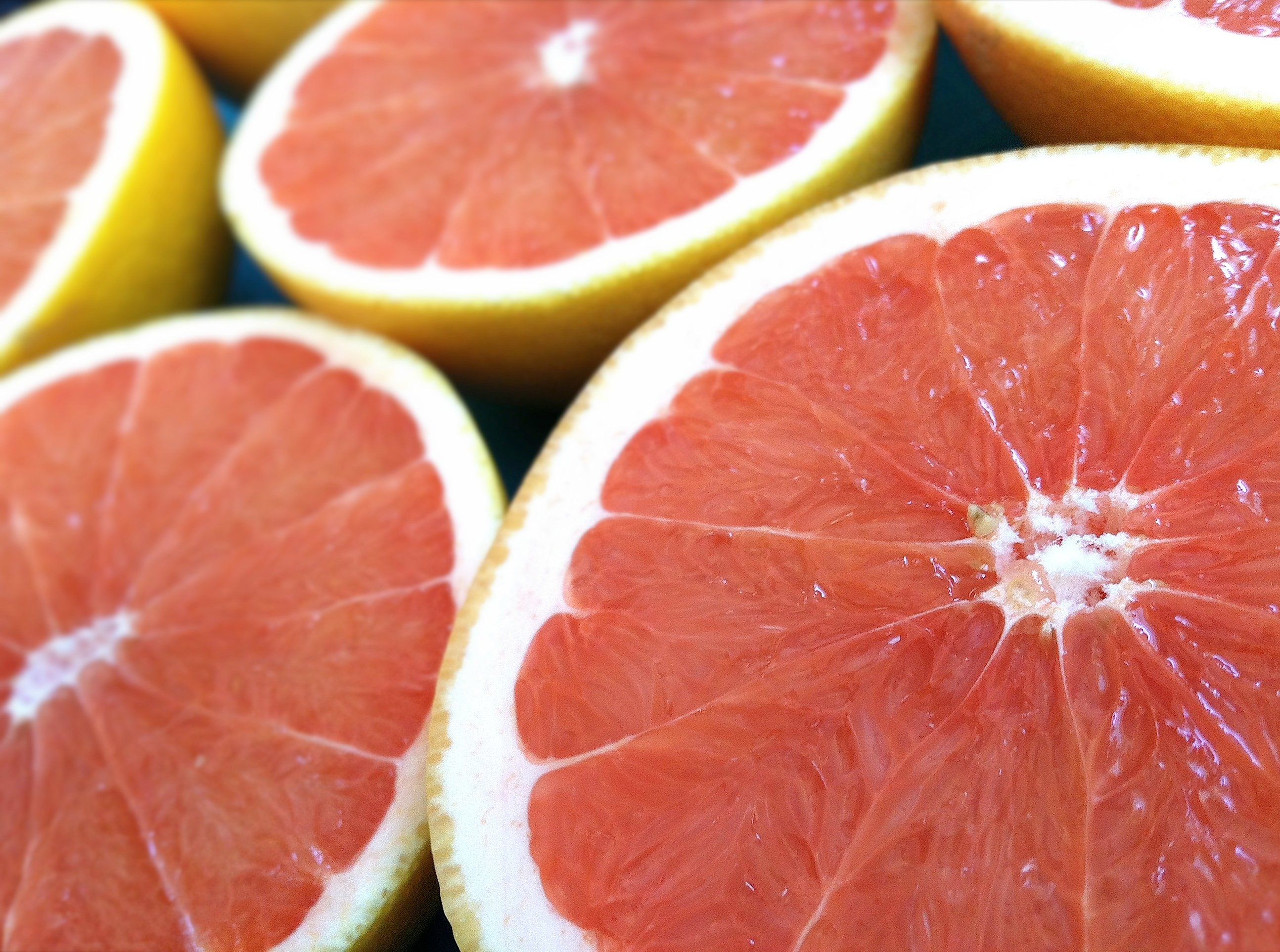 how to cut a grapefruit to eat with a spoon