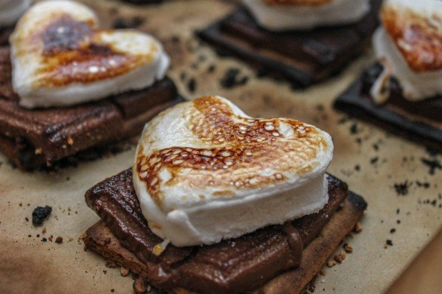 Gooey Valentine's Day Baked S'mores Main