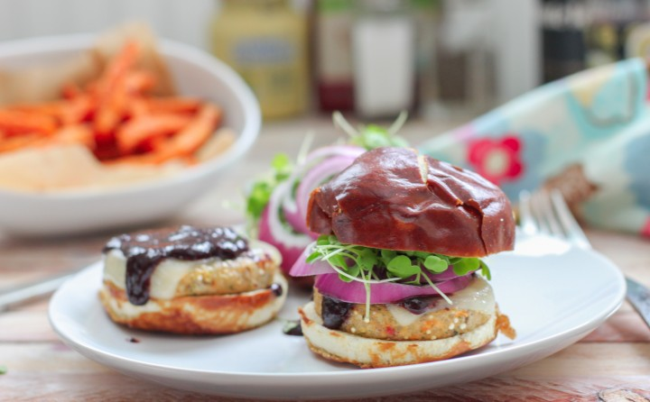 Red Wine Blueberry BBQ Sauce