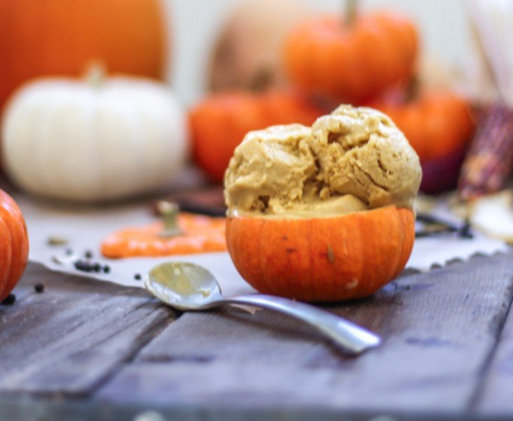Homemade Pumpkin Ice Cream-2