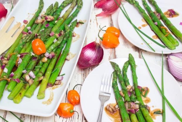 Grilled Asparagus Garlic-Habanero Sauce