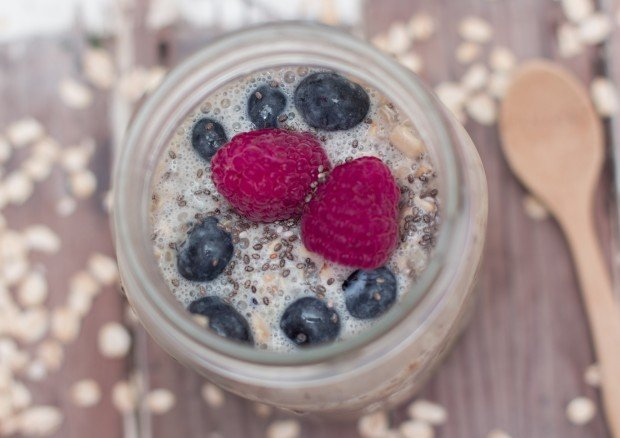 Overnight Quinoa & Blueberry Oatmeal