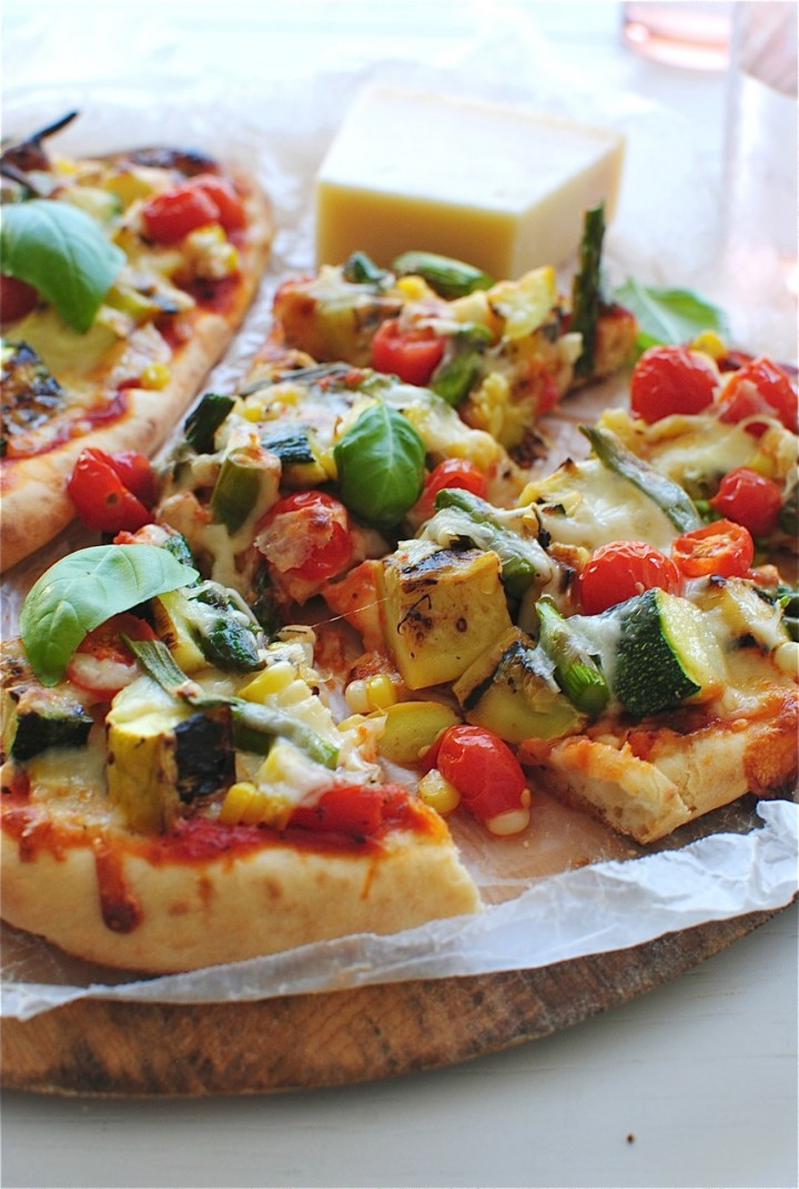 grilled_veggie_naan_pizzas