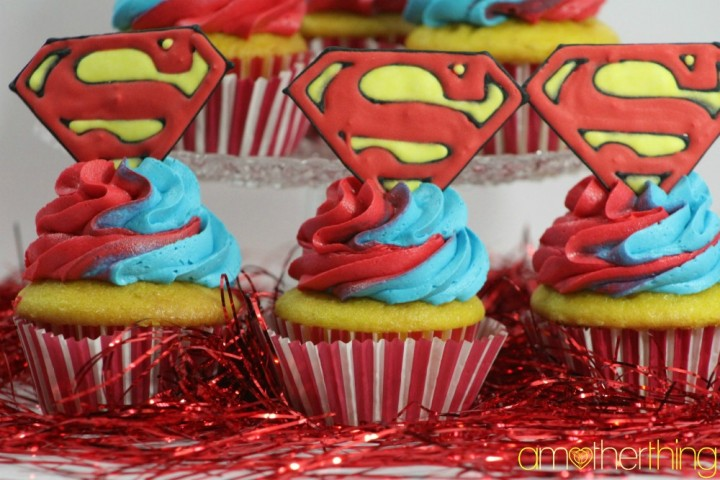 Superman_cupcakes
