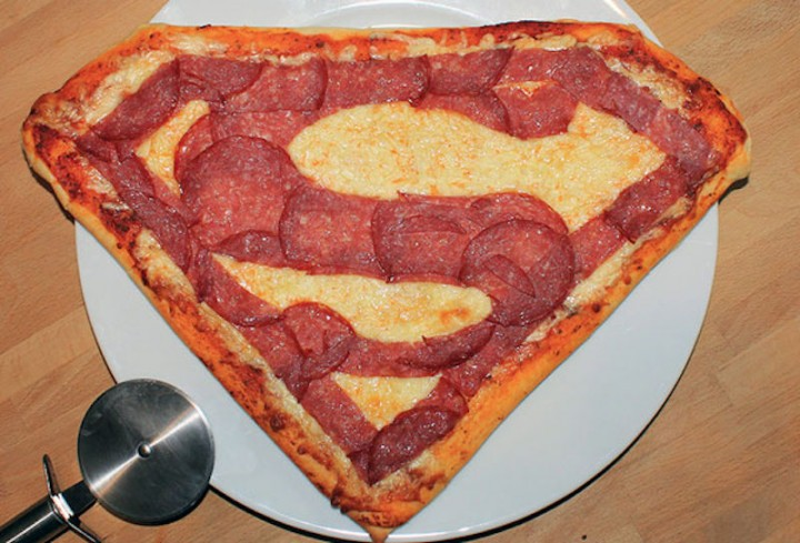superman-pizza-cooked