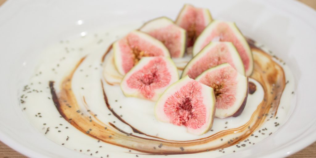 Fresh Figs in Yogurt 1