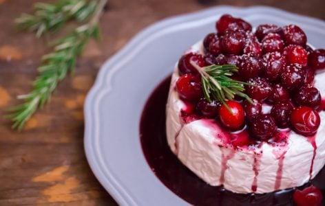 Red Wine Poached Cranberries Warm Brie 1