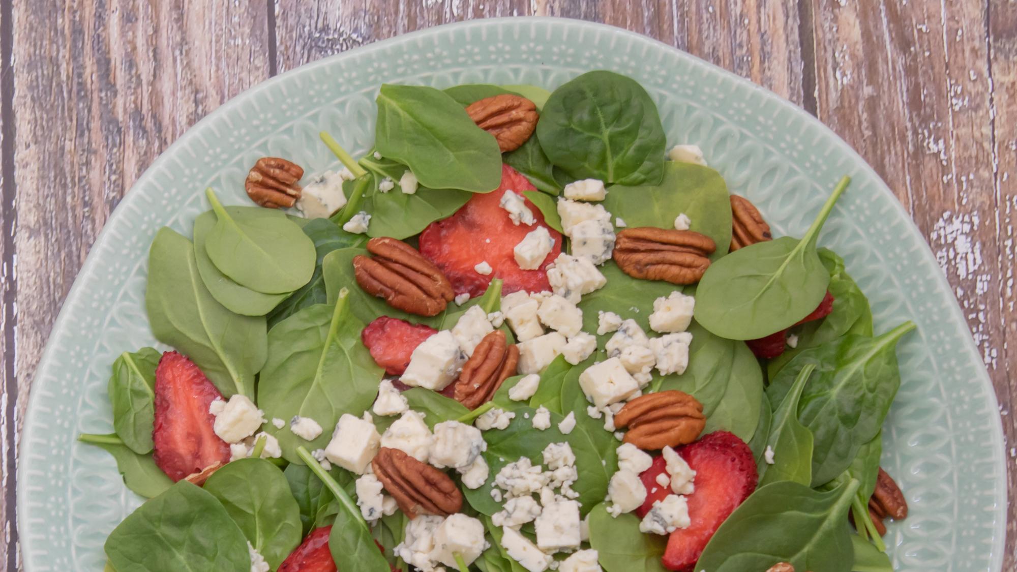 Strawberry Spinach Salad main 1