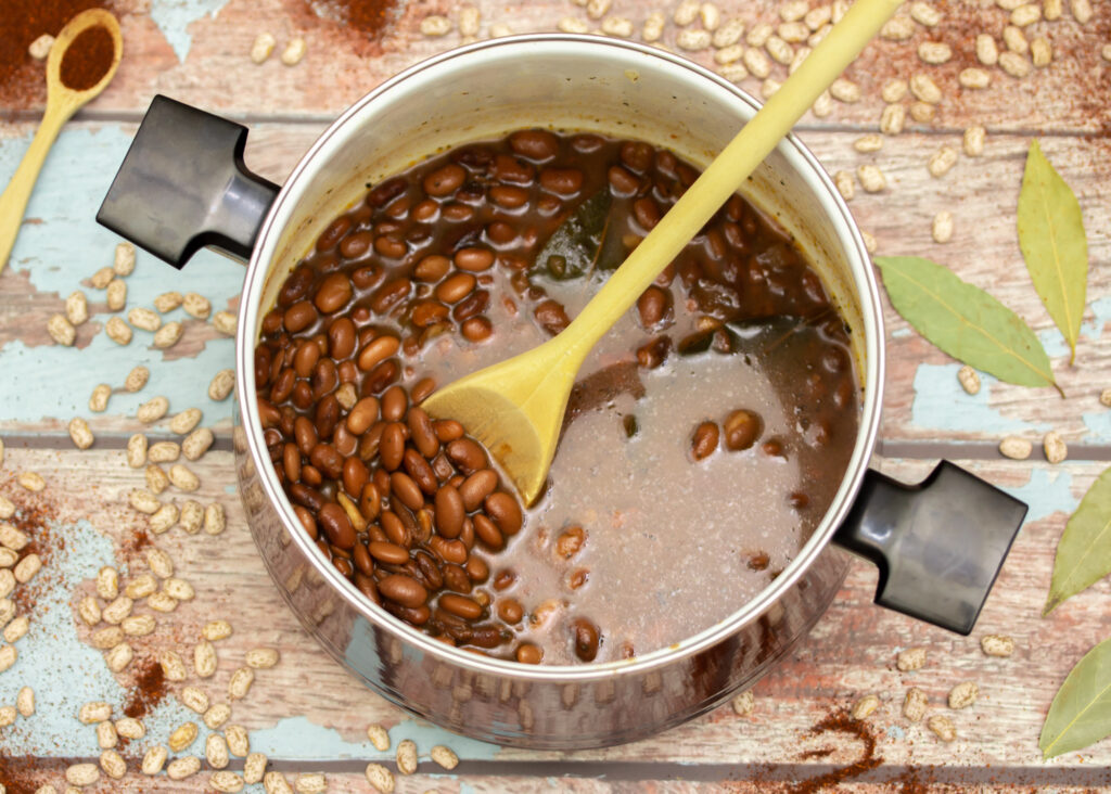 Easy Crock Pot Pinto Beans Main