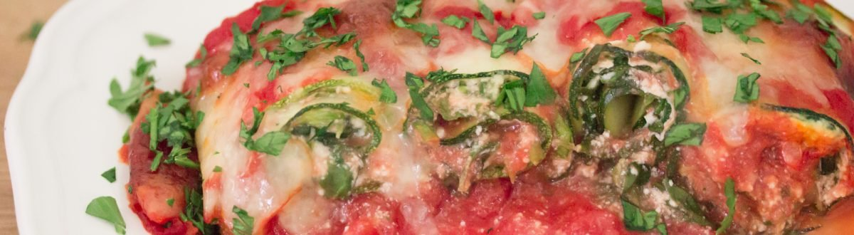 serving of zucchini lasagna roll ups 3